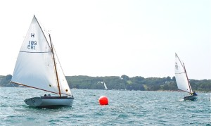 Found It (289) pulls away at the start from Sea Glass (189)